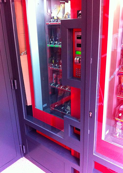 Cerramientos para maquinas expendedoras